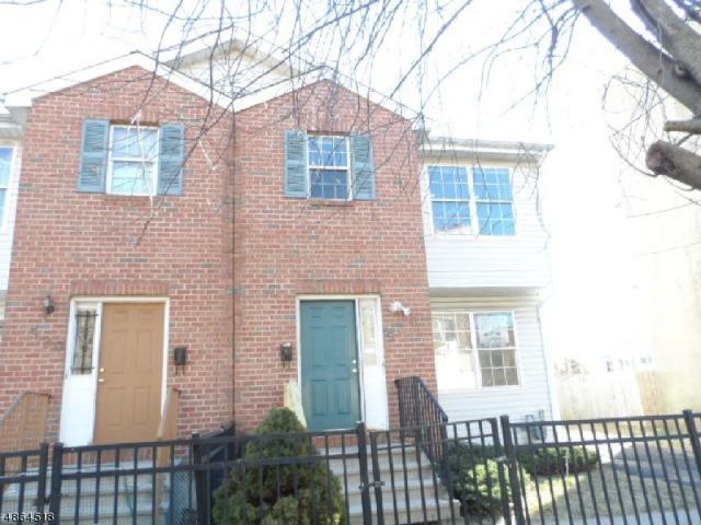 524 South 14TH St, Newark City, NJ 07103 (MLS #3526468) :: The Douglas Tucker Real Estate Team LLC