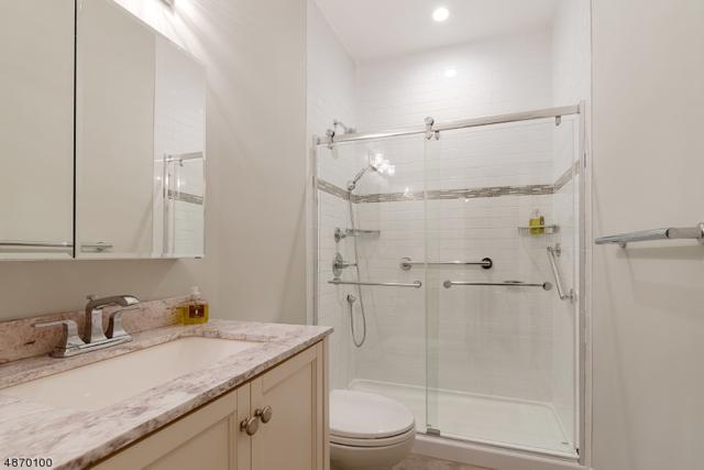 4 Avon Ct B, Chatham Twp., NJ 07928 (MLS #3531391) :: Coldwell Banker Residential Brokerage