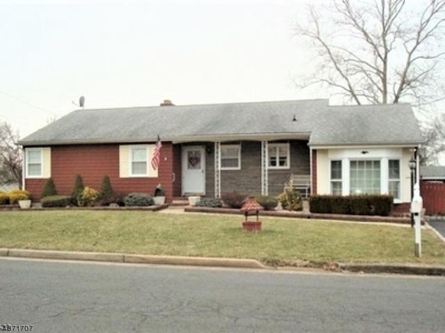 92 Irvington Ave, Franklin Twp., NJ 08873 (#3532841) :: Jason Freeby Group at Keller Williams Real Estate