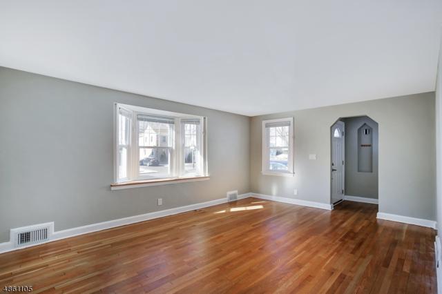 89 Linden Ave, Springfield Twp., NJ 07081 (MLS #3533705) :: SR Real Estate Group