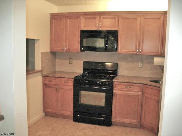 90 Fisher Dr, Franklin Twp., NJ 08823 (MLS #3533733) :: SR Real Estate Group