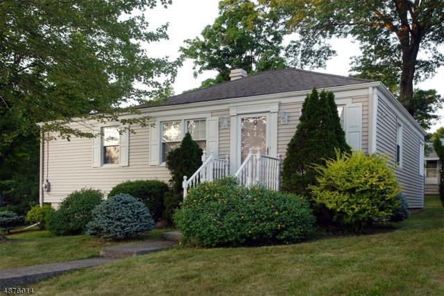 228 Livingston Ave, New Providence Boro, NJ 07974 (MLS #3536745) :: The Sue Adler Team