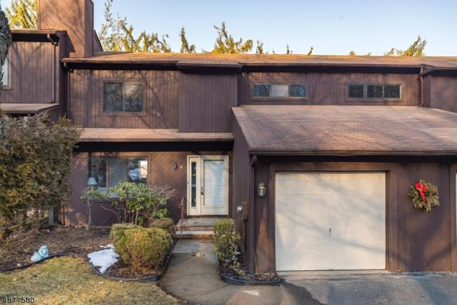 4 Mountain Ridge Dr, Cedar Grove Twp., NJ 07009 (MLS #3538200) :: Coldwell Banker Residential Brokerage