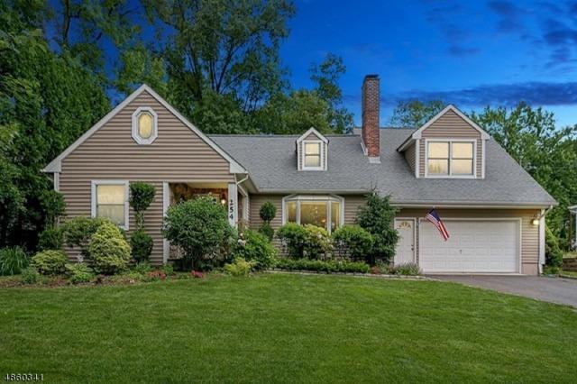 254 Hickory Ln, Mountainside Boro, NJ 07092 (MLS #3540542) :: The Dekanski Home Selling Team