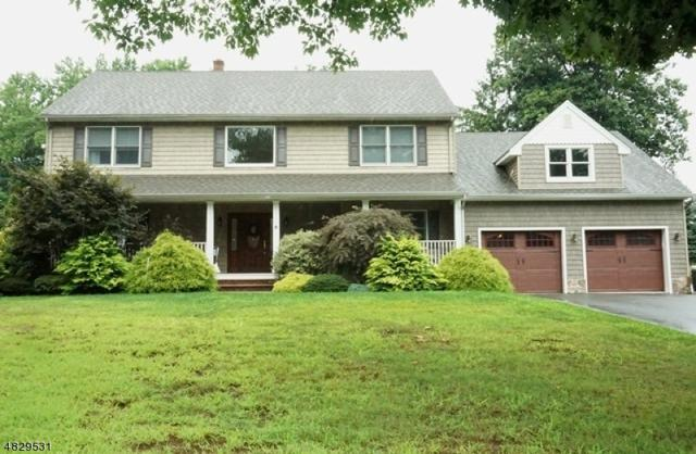 80 Thomas Dr, Clark Twp., NJ 07066 (#3541678) :: Daunno Realty Services, LLC