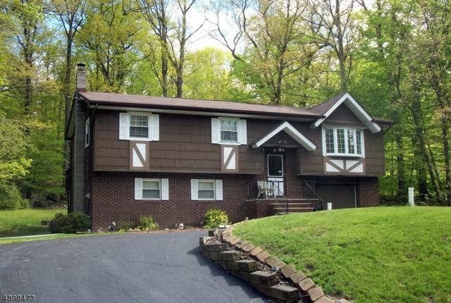 39 Hickory Rd, Vernon Twp., NJ 07422 (MLS #3557706) :: The Dekanski Home Selling Team