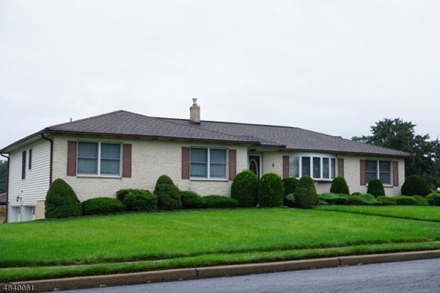 1 Ginesi Dr, Clark Twp., NJ 07066 (#3558353) :: Daunno Realty Services, LLC