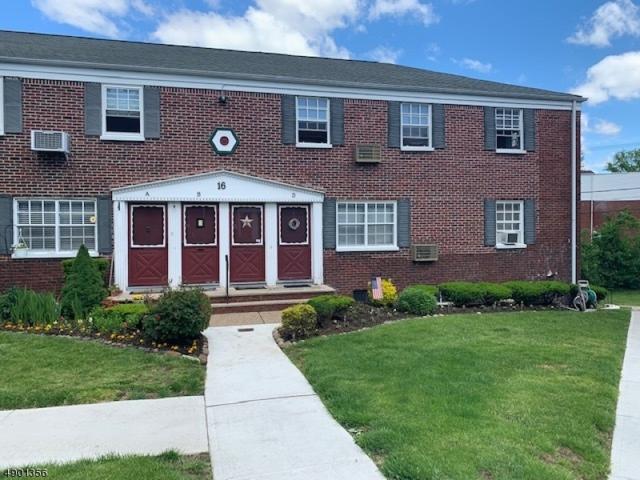 16 W Roselle Ave, Roselle Park Boro, NJ 07204 (MLS #3562197) :: REMAX Platinum