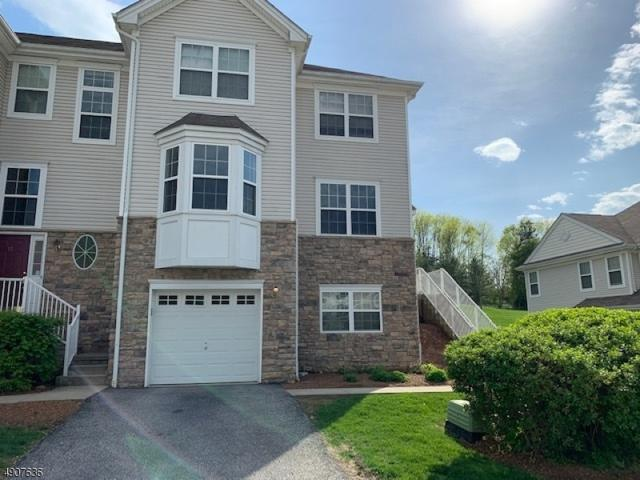 19 Black Bear Ct, Hardyston Twp., NJ 07419 (MLS #3566244) :: William Raveis Baer & McIntosh