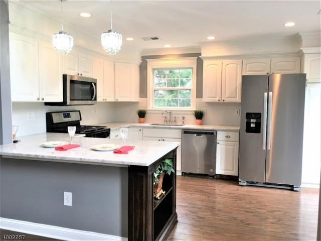 2 Charleston Ct, Bernards Twp., NJ 07920 (MLS #3568459) :: Coldwell Banker Residential Brokerage