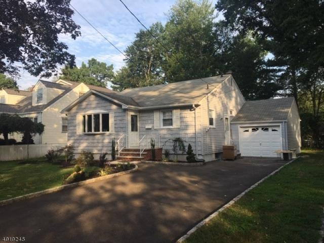 81 Emerald Pl, Clark Twp., NJ 07066 (MLS #3576990) :: Coldwell Banker Residential Brokerage