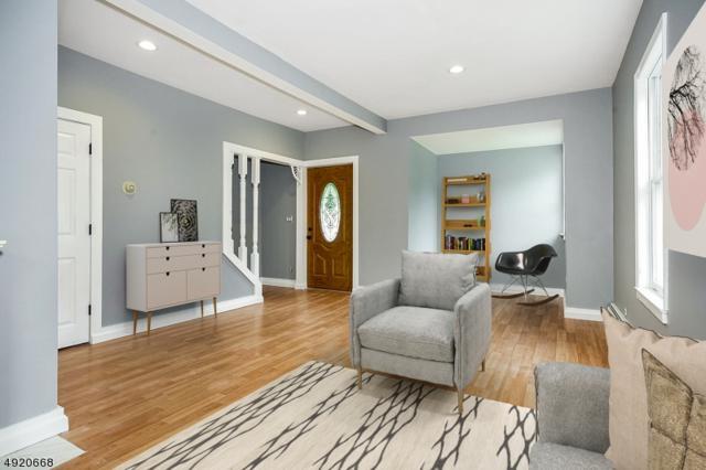 33 E Grand St, Hampton Boro, NJ 08827 (MLS #3578585) :: SR Real Estate Group