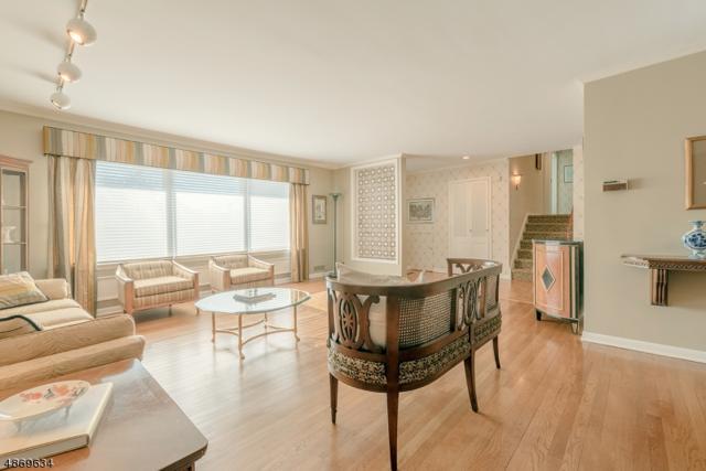 21 Haran Cir, Millburn Twp., NJ 07041 (MLS #3579619) :: SR Real Estate Group