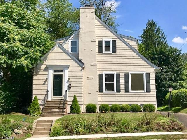 126 Center Ave, Chatham Boro, NJ 07928 (MLS #3587610) :: Pina Nazario
