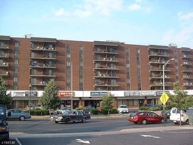 10 N Wood Ave Unit 303, Linden City, NJ 07036 (MLS #3589263) :: The Dekanski Home Selling Team