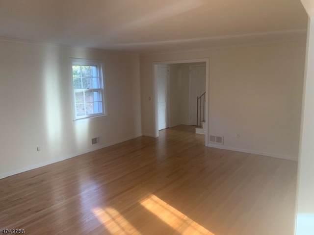 372 Dogwood Way, Mountainside Boro, NJ 07092 (MLS #3605281) :: The Dekanski Home Selling Team