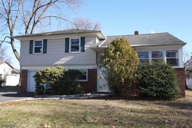 187 Liberty St, Clark Twp., NJ 07066 (#3610534) :: NJJoe Group at Keller Williams Park Views Realty
