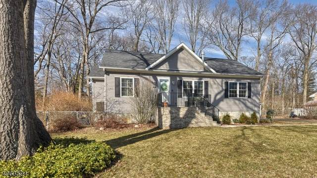 219 Magnolia Ave, Pompton Lakes Boro, NJ 07442 (MLS #3617784) :: The Karen W. Peters Group at Coldwell Banker Realty