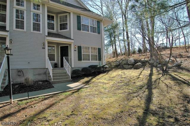 412 Chatfield Dr, Pequannock Twp., NJ 07444 (MLS #3624243) :: The Sikora Group