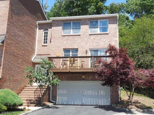 16 Beacon Hill Commons, Pompton Lakes Boro, NJ 07442 (MLS #3645115) :: The Karen W. Peters Group at Coldwell Banker Realty