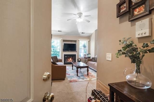 694 Honeybrook Cir, Lopatcong Twp., NJ 08886 (MLS #3650014) :: Team Francesco/Christie's International Real Estate