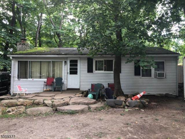 23 Maple Ave, Hardyston Twp., NJ 07460 (MLS #3657655) :: The Karen W. Peters Group at Coldwell Banker Realty