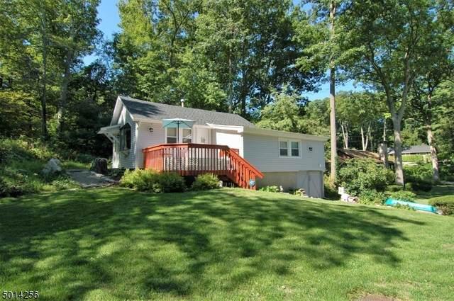 313 W Lakeshore Dr, Vernon Twp., NJ 07422 (#3662057) :: NJJoe Group at Keller Williams Park Views Realty