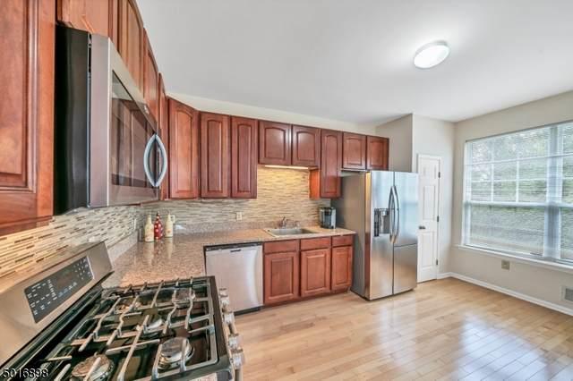53 Gallop Ln, Franklin Twp., NJ 08873 (MLS #3665497) :: Team Francesco/Christie's International Real Estate