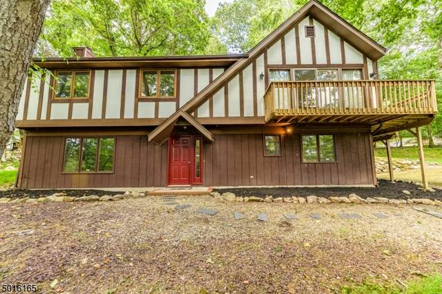 58 Forest Rd, Green Twp., NJ 07821 (MLS #3668166) :: The Sikora Group