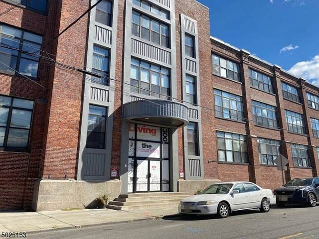 300 Communipaw Ave #308, Jersey City, NJ 07304 (MLS #3672195) :: The Debbie Woerner Team