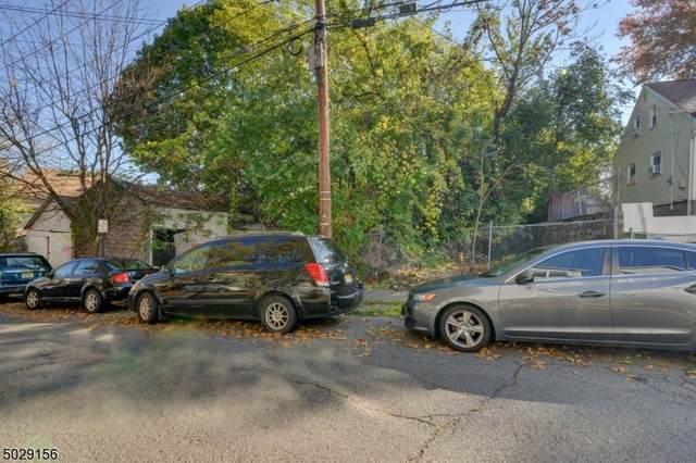 142 N 2Nd St, Paterson City, NJ 07522 (MLS #3675688) :: PORTERPLUS REALTY