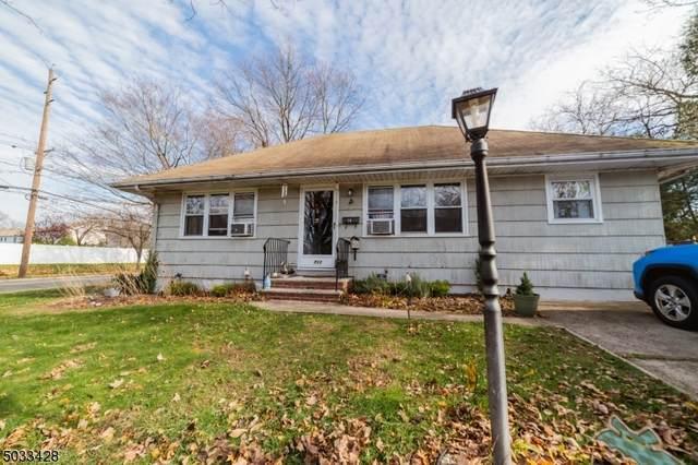 711 Holly St, New Milford Boro, NJ 07646 (#3679637) :: NJJoe Group at Keller Williams Park Views Realty