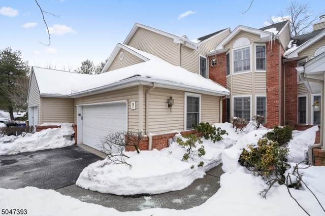 7 Ebersbach Ln, Roseland Boro, NJ 07068 (MLS #3692534) :: SR Real Estate Group