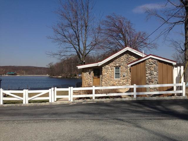 189 Point Breeze Dr, West Milford Twp., NJ 07421 (MLS #3695582) :: SR Real Estate Group