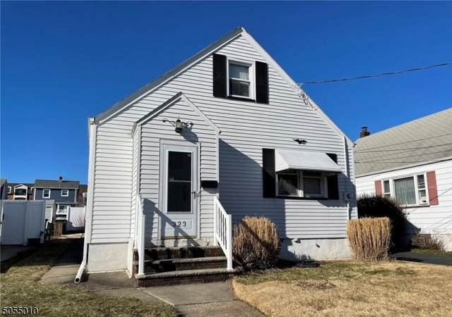323 Saint James Ave, Woodbridge Twp., NJ 07095 (MLS #3697845) :: The Michele Klug Team | Keller Williams Towne Square Realty