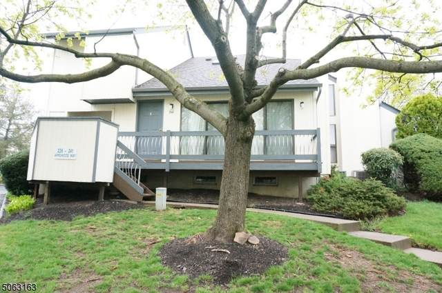 241 Arrowood Way, Bernards Twp., NJ 07920 (MLS #3705297) :: Zebaida Group at Keller Williams Realty