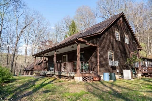 400 Sweet Hollow Rd, Alexandria Twp., NJ 08804 (MLS #3706453) :: The Sikora Group