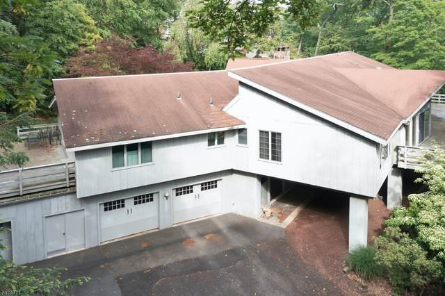 880 Cherokee Ln, Franklin Lakes Boro, NJ 07417 (MLS #3718601) :: The Karen W. Peters Group at Coldwell Banker Realty