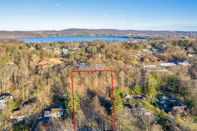 64 Ridgeview Ter, Wayne Twp., NJ 07470 (MLS #3718627) :: The Karen W. Peters Group at Coldwell Banker Realty