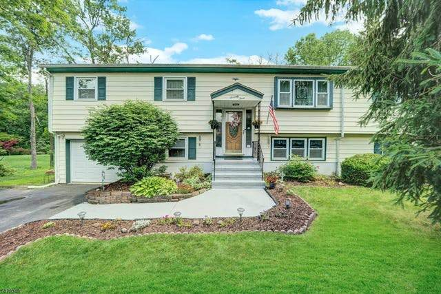 73 Mountain Circle North, West Milford Twp., NJ 07480 (MLS #3721511) :: Coldwell Banker Residential Brokerage