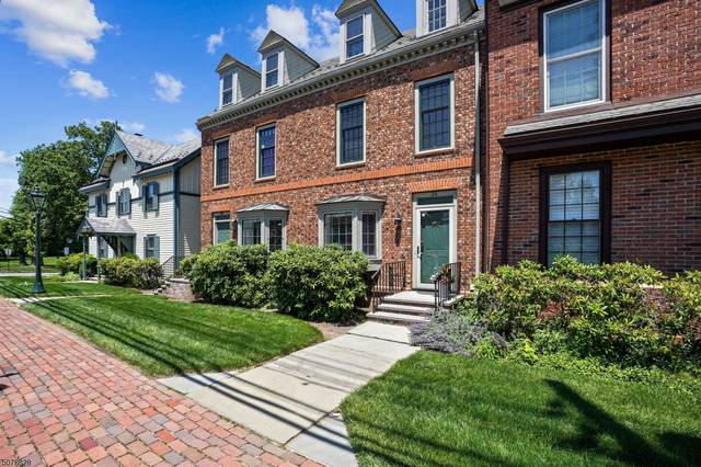 34 Murray Hill Sq, New Providence Boro, NJ 07974 (MLS #3721979) :: Team Francesco/Christie's International Real Estate