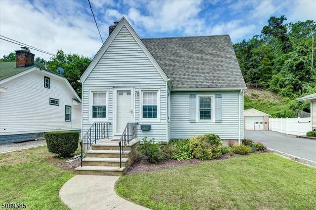 40 Rhinesmith Ave, Wanaque Boro, NJ 07465 (MLS #3728561) :: The Karen W. Peters Group at Coldwell Banker Realty