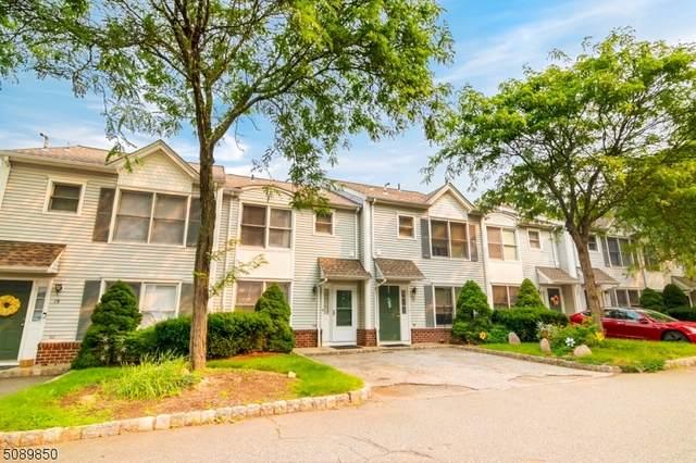 17 Woods Edge Rd, Rockaway Boro, NJ 07866 (MLS #3728930) :: The Sikora Group