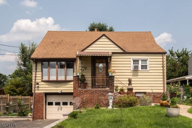 61 Grandview Dr, Woodland Park, NJ 07424 (MLS #3730758) :: The Karen W. Peters Group at Coldwell Banker Realty