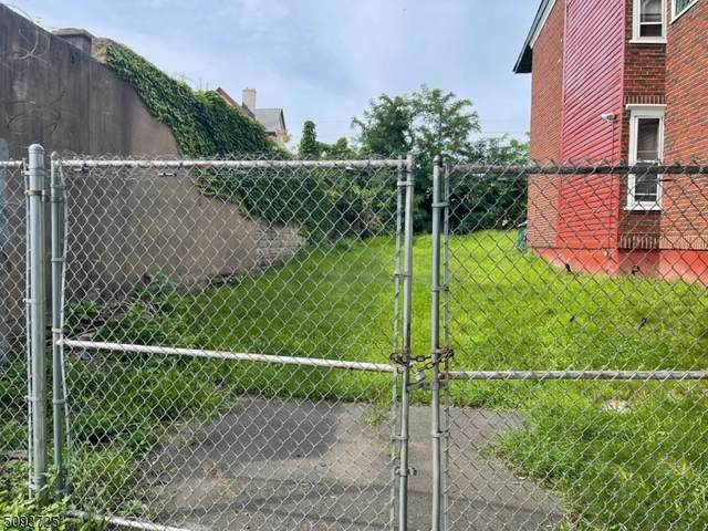 159 Pearl St, Paterson City, NJ 07501 (MLS #3732198) :: The Sikora Group