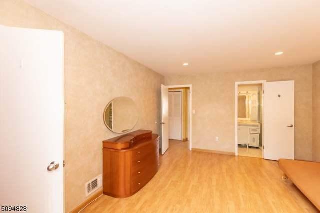 1096 Schmidt Ln, North Brunswick Twp., NJ 08902 (MLS #3733163) :: Coldwell Banker Residential Brokerage