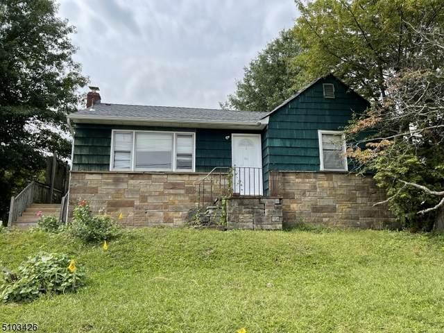 182 Maplewood Ave, Clifton City, NJ 07013 (MLS #3740774) :: Kiliszek Real Estate Experts