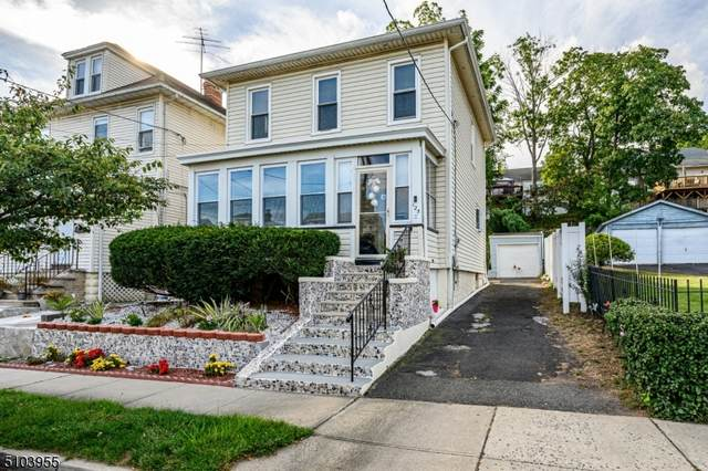 125 Rollinson St, West Orange Twp., NJ 07052 (MLS #3742508) :: The Karen W. Peters Group at Coldwell Banker Realty