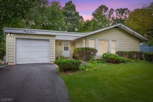 47 Briarwood Drive East, Berkeley Heights Twp., NJ 07922 (MLS #3745230) :: The Dekanski Home Selling Team