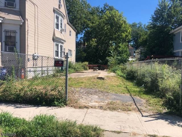 46 Columbia Ave, Newark City, NJ 07106 (MLS #3745910) :: The Karen W. Peters Group at Coldwell Banker Realty